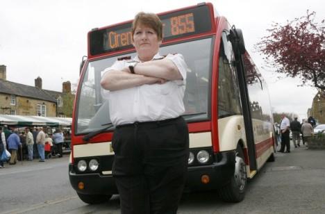 <center><b>Женщина-водитель угнала автобус из-за сигареты</center></b>