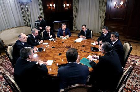 <center><b>Губернаторы оказались самыми неграмотными</center></b>
