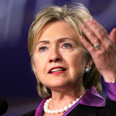 <center><b>Хиллари Клинтон залаяла</center></b>