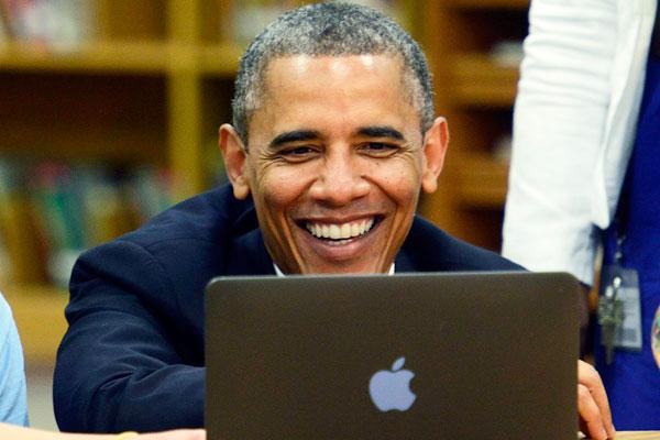 <center><b>Обама жалуется на интернет в Белом доме</center></b>