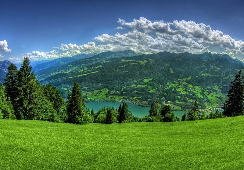 <center><b>В Альпах открылся отель на свежем воздухе</center></b>