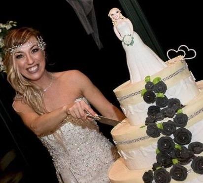 Итальянка сыграла свадьбу с самой собой