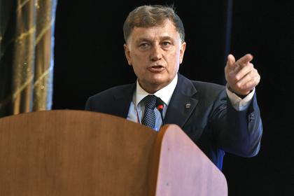Петербургскую оппозицию попросили «не теребонькать» город