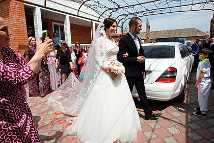 Чеченцам хотят запретить длинные свадебные кортежи