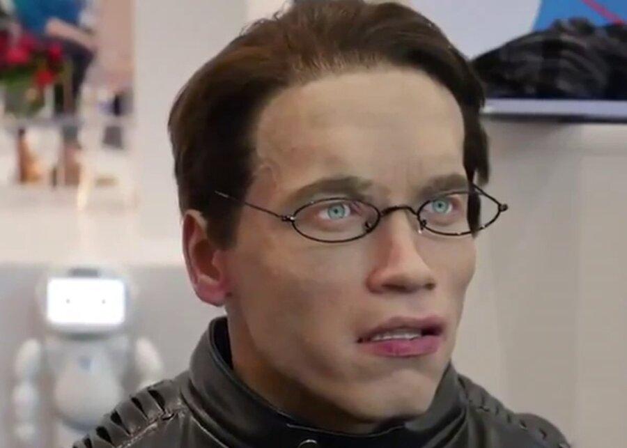 Шварценеггер решил судиться из-за внешности российского робота