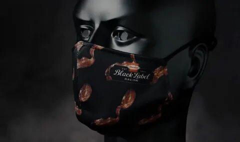 Американцам раздадут маски с ароматом бекона