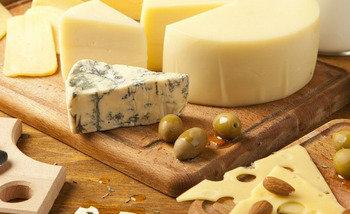 <center><b>Сыр может вызывать зависимость</center></b>