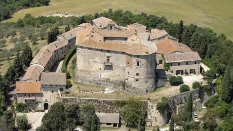 <center><b>В Италии продают замок</center></b>