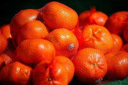 Китайцы съели ящик апельсинов, чтобы не платить за перевес
