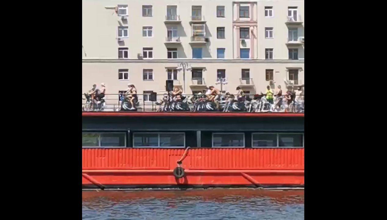 В Москве появился фитнес-теплоход
